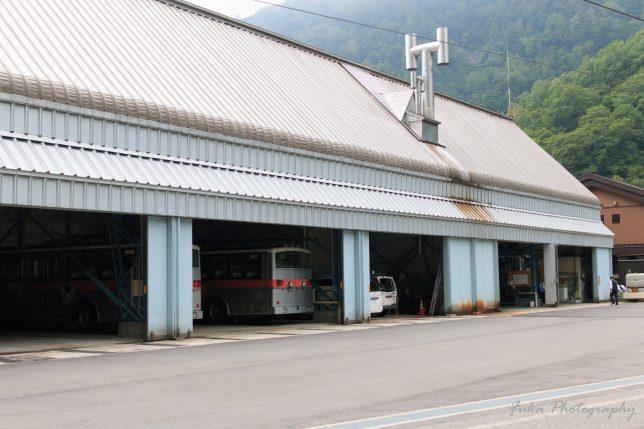 扇沢駅 関電トンネルトロリーバス