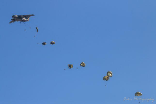 入間航空祭 2017 C-1 陸上自衛隊空挺降下