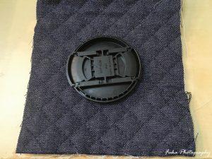 レンズキャップと材料の布
