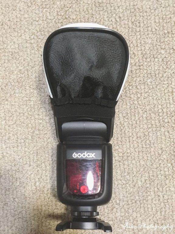 NEEWER 「ミニユニバーサルソフトボックス」をGodox VING カメラフラッシュ「V860II」に取り付け