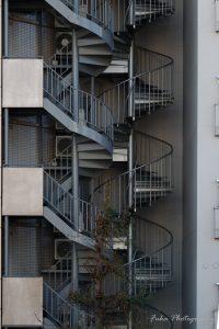 首都高速から見た風景 螺旋階段